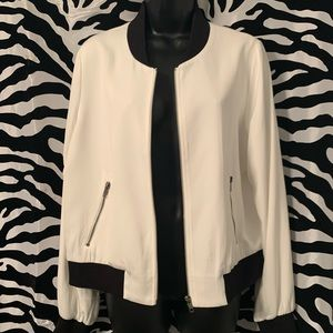 Women zip up jacket